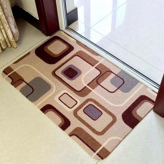摆放一个有品位的地垫,不止防滑吸土,更能提升家居品味