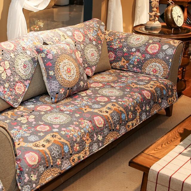 不用换家具,只要换一套沙发垫,客厅的风格,就会变的别有韵味