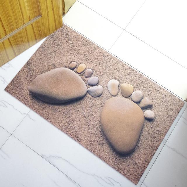 传统的脚垫已过时,现在流行的是3D防滑地垫,一般人都不敢踩