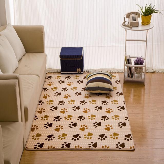 家里换了新地毯,耐脏实用,朋友见了都想买