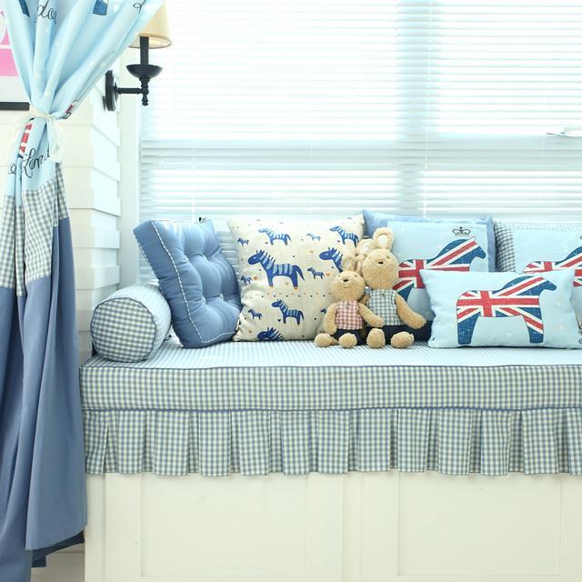 有飘窗的卧室,家再小都是暖心的