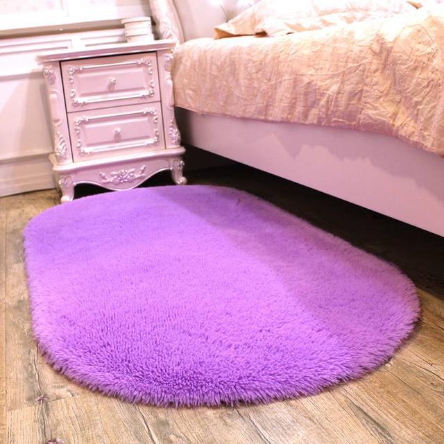 家里经常来客人泡茶,茶几下总会脏,自从买了这款地毯干净又美观