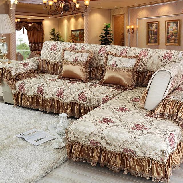 """用久的沙发出现""""瑕疵"""",不妨换个沙发垫,让沙发看起来更有档次"""