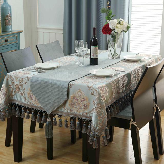 传统的桌布已经淘汰了,现今这种桌布巨火,价格实惠还贼好看