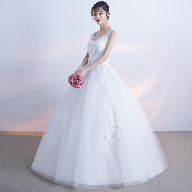 双肩V领蕾丝婚纱