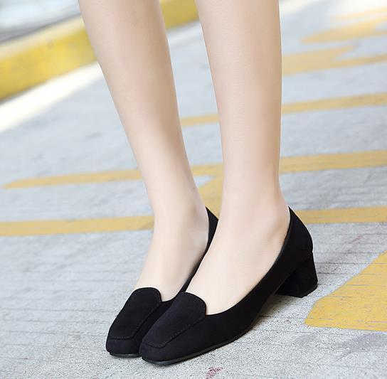 黑色方头中跟职业单鞋