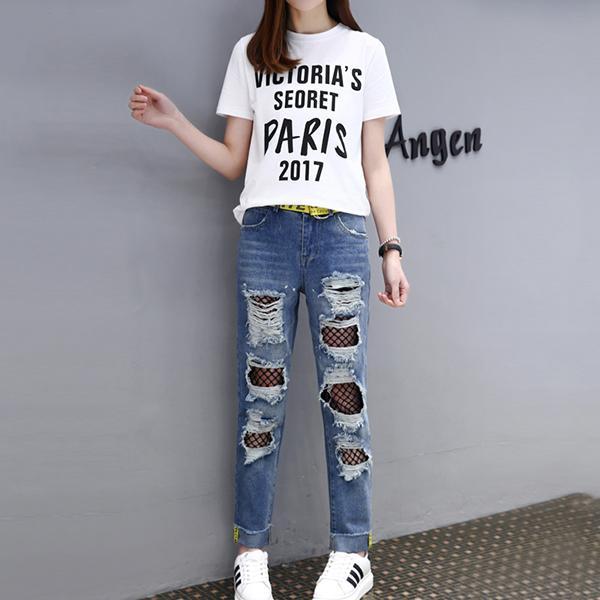 字母T恤+破洞牛仔裤套装