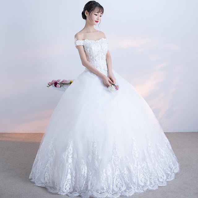 宫廷蕾丝绣花婚纱