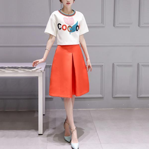 绣花T恤+高腰半身裙套装