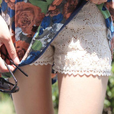 性感的蕾丝边防走光安全裤,轻薄透气,让你优雅又从容