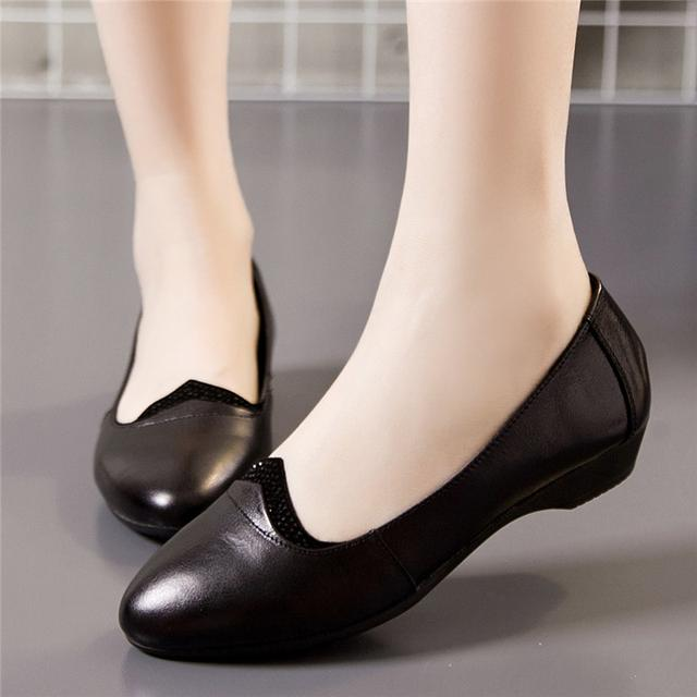 春妈妈鞋单鞋真皮软底平跟