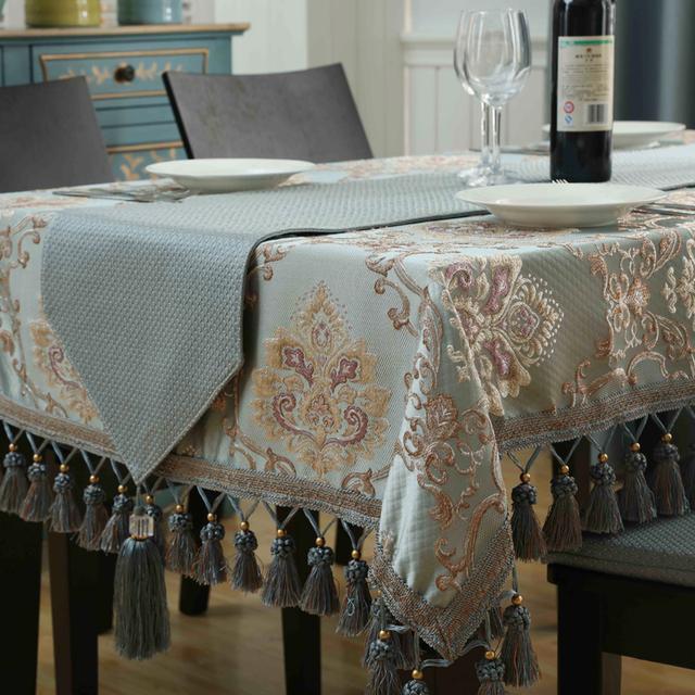 老婆给家里换了一块桌布,到家差点没认出来