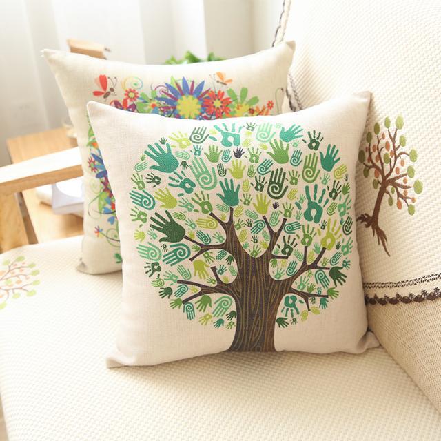 沙发空荡荡的总觉得少了什么?几个抱枕让你的沙发不再单调