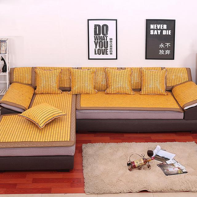 夏天到了,沙发也要换新装,透气的凉席垫,坐上去不热很舒服