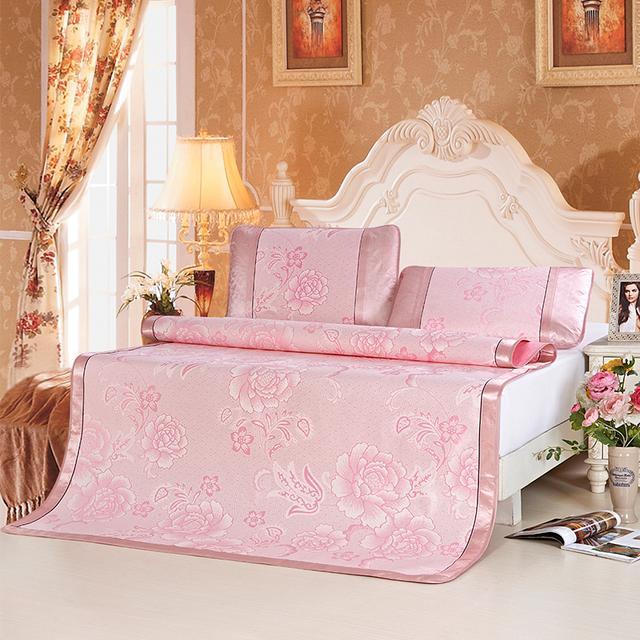 春夏季床上用品,拥有它们能够缓解颈椎,让你睡的清爽舒适