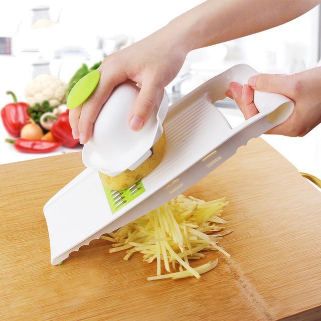 现在的家庭主妇真聪明,切菜用这样的工具,省时还方便实用