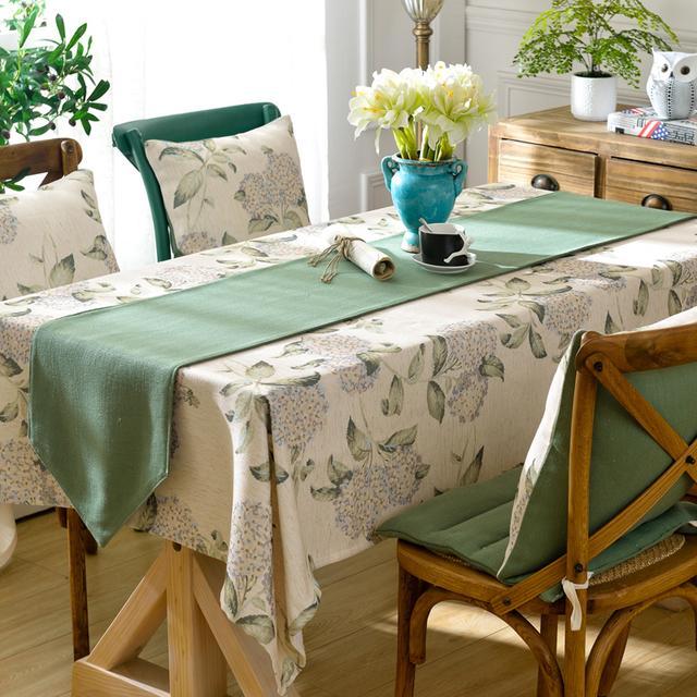 餐桌、茶几光秃秃?设计师建议铺上桌布,防污同时增添家居美感