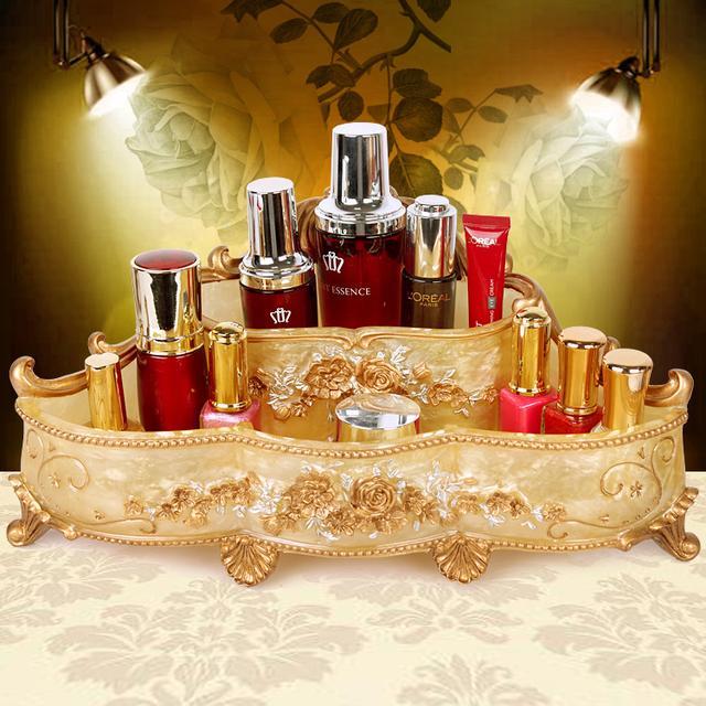 瓶瓶罐罐的化妆品太多,各类精致的化妆品收纳盒,还桌面整洁干净 护肤品,化妆品,复古风,桌子,塑料 IT之家  11
