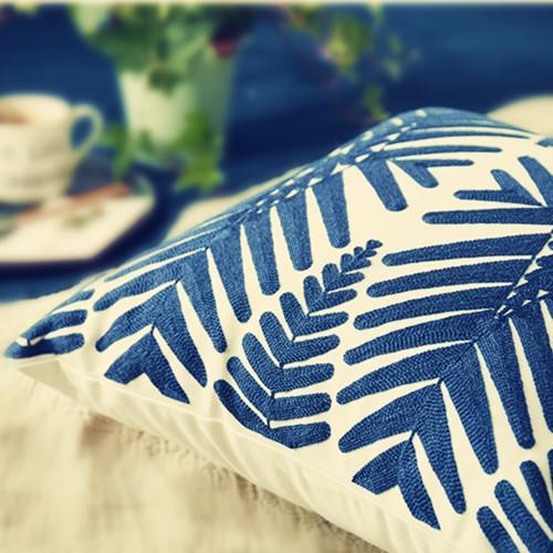 切实提升家居幸福感,是时候挑几款漂亮美观又舒适的靠垫了