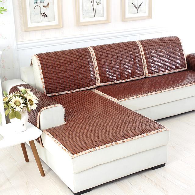 传统的凉席沙发垫早过时了!今夏流行冰丝沙发垫,清凉大气显档次