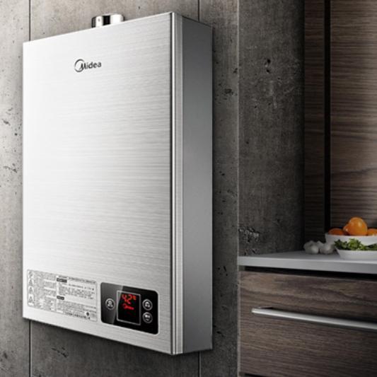 电热水器VS燃气热水器全方位对比,看完你就知道那种更适合自己