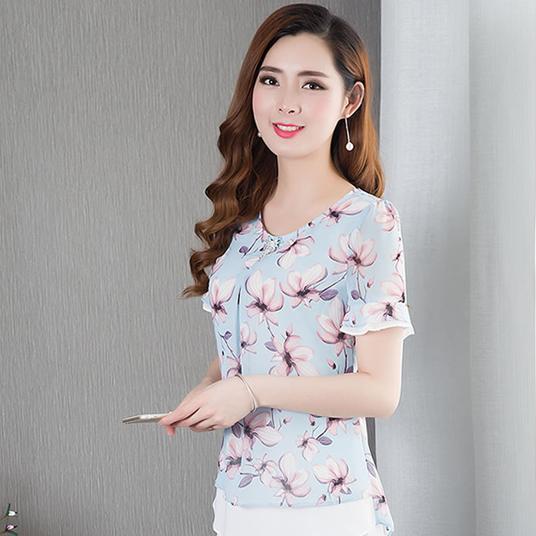 32-53岁女人都穿这件衣服,优雅减龄还特别显瘦,巨时髦