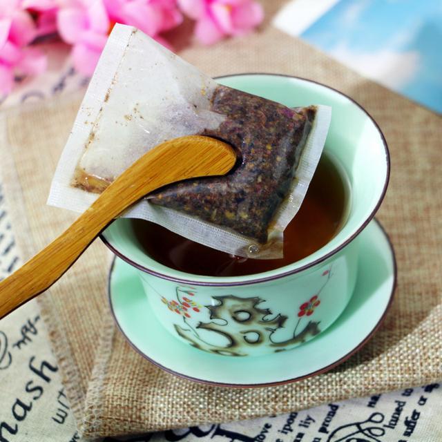 各种自然食材做成的花草茶,口感清新,为你祛除湿气