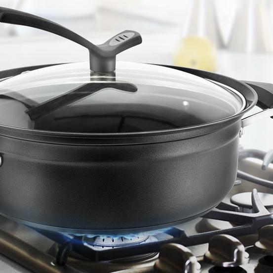 火锅业内的高科技,简简单单一瓶水就能速热的方便火锅