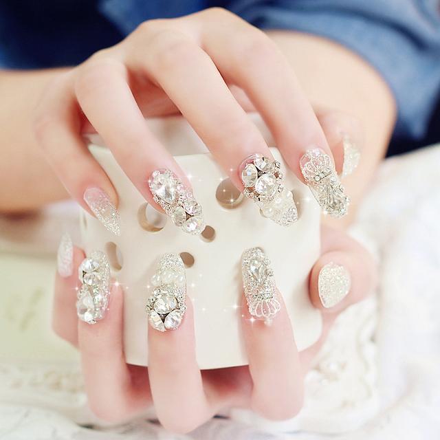 还在花钱去做指甲?这样的指甲油天然安全,自己画出高品质美甲
