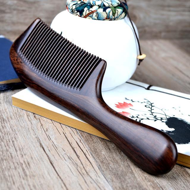 一款不仅仅柔顺头发的梳子,还很健康哦,天然取材超耐用