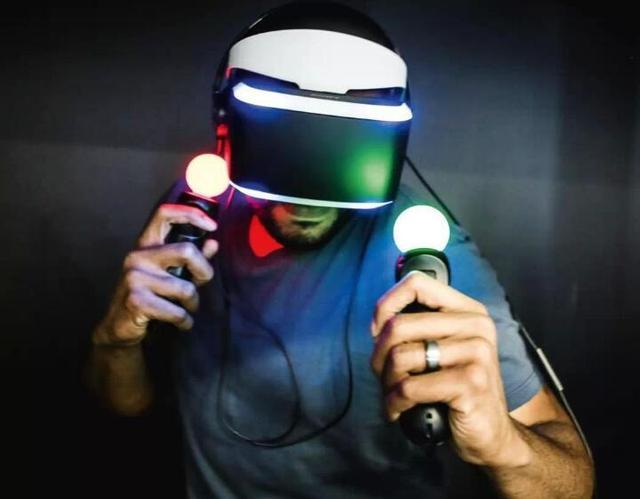 VR眼镜,VR头盔和VR一体机,哪个是VR家族里的王者?