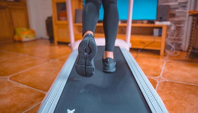 如何选择一款适合自己的家用跑步机!