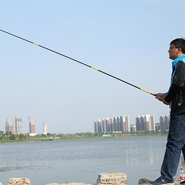 今年年流行的钓鱼竿,实用大气又显档次,三斤直接拽