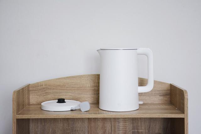 米家电水壶使用评测,一体内胆设计,304不锈钢材质