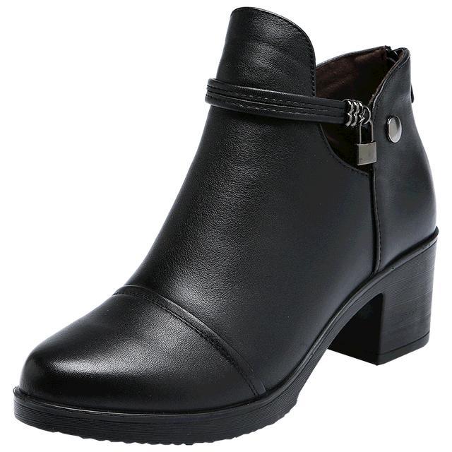 妈妈说,天气变凉了,现在不买真皮靴子,冷天难免被宰