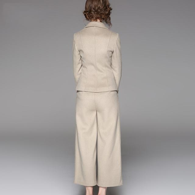 今年秋冬特别流行大牌风,这几款气质套装,尽显女人高端美感