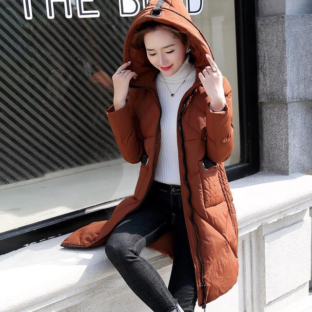 短款棉衣容易露腰,太长穿着不便,中长款棉服才能驾驭住各种场合
