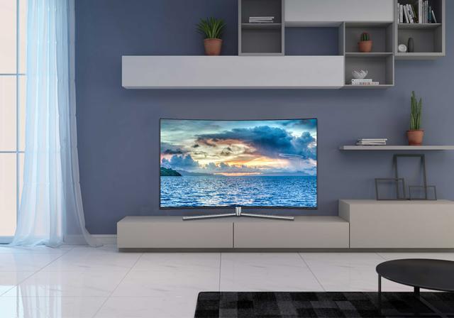 """多大的客厅适合曲屏电视?不要盲目追求做""""跟风者"""""""