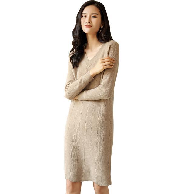 芙橙秋冬新款V领羊绒中长款女连衣裙宽松显瘦套头长袖针织羊绒裙优惠券