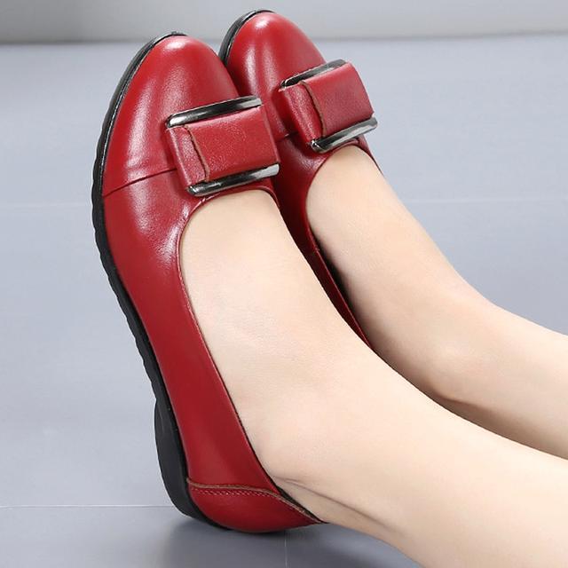 平底单鞋女真皮软底女鞋一脚蹬舒适妈妈鞋休闲百搭工作鞋优惠券