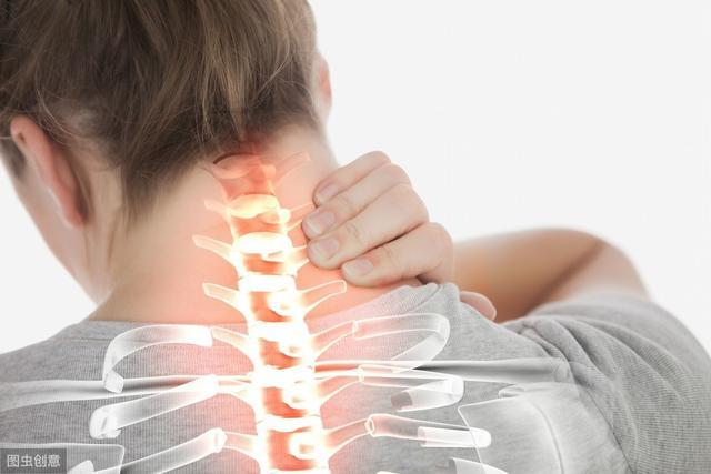 平时颈椎总是疼,学学这几招放松小方法,缓解僵硬睡觉香