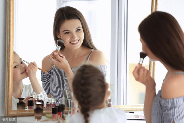 不会化妆的女人,教你3个实用化妆技巧,快速上手画出精致妆