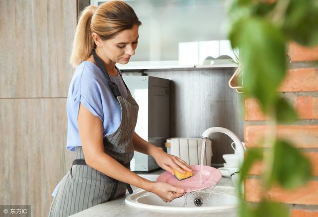 送老婆这双神奇的手套,也许你就可以不用做家务了!