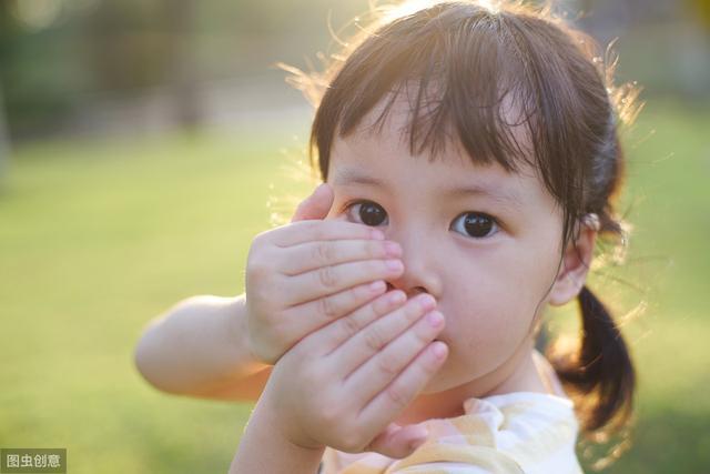 孩子的害羞都是父母说出来的!改变这种说话方式,孩子立马变外向