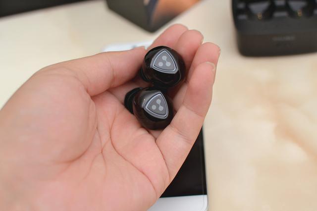 iPhone7的AirPods太贵,可以试试这个蓝牙耳机