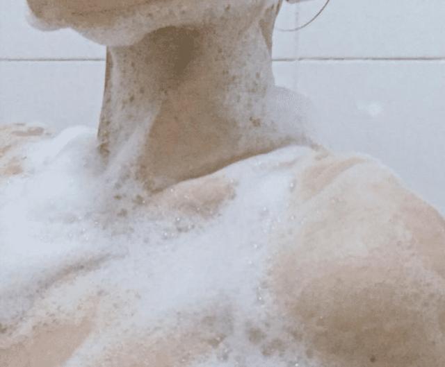 这款沐浴露堪称屈臣氏的镇店之宝,沐浴液中的迪奥,明星平价同款