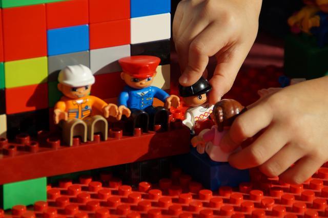 快来坑里玩:孩子的入门乐高积木要怎么选?