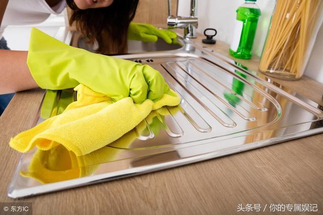 燃气灶与台面清洁小窍门,保持厨房清爽干净,赶紧回家试试!
