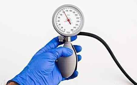 血压高了还急着吃药?不起眼的食材常吃点,血压稳降不反弹