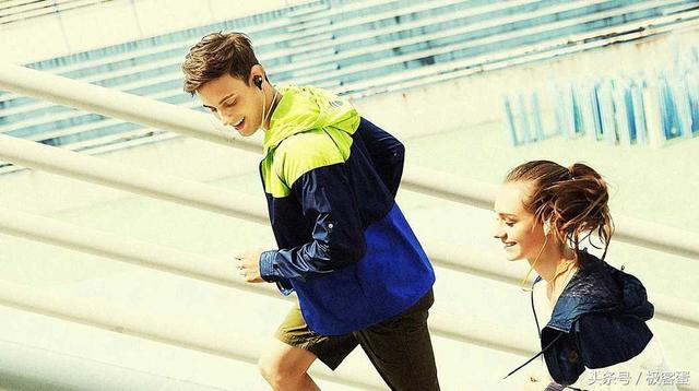 有了它,跑步也可以很文(zhuang)艺(bi)